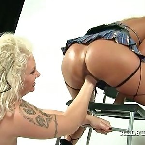Sapphic blonde bitch getting her vagina knuckle filled