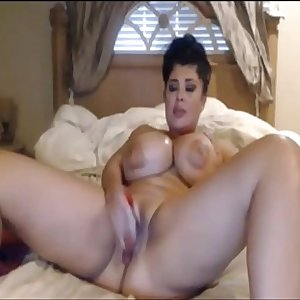 pawg milf doing a cam show with her toy - hottestmilfcams.com