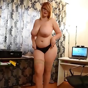 Chubby Busty Maid Masturbating Online