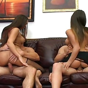 Foursome with a pantyhose ripping footjob fetish