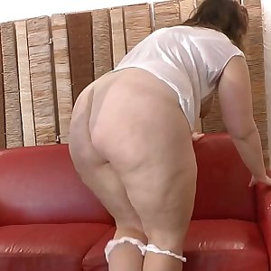 Youthfull amateur BBW french slut analyzed and fist fucked for her 1st casting couch