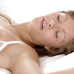 Passionate bedroom anal hookup with lesbos Neve and Kaylee on Sapphic Erotica Bed