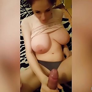 Amateur Duo Film Themselves Making Cum For Breakfast