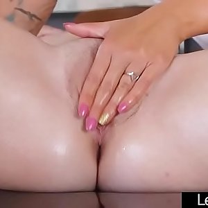 Hookup Tape With Hot Lesbo Teen Girls (Pressley Carter & Alex Blake) movv-24
