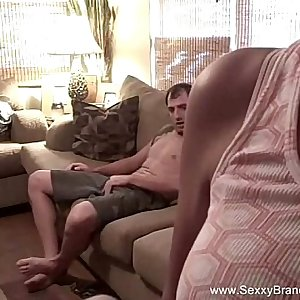 Sexxy Amateur Couch Quickie