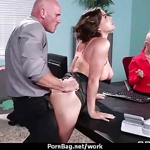 Office assistant shows her boss her flexibility 1
