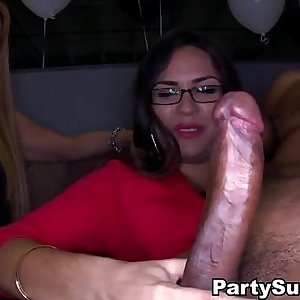 Deepthroat Party with Amazing Babes