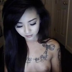 www.omgcambabes.win - Pretty Tattoo asian wants your attention!