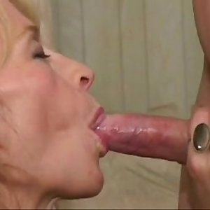 Sexy, slender Mature waits young meat - EXGFPLANET.COM