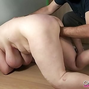 BBW slave gets fisted and squirts