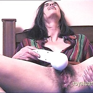 Testing new vibrator to orgasm
